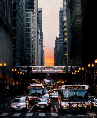 buildings-bus-chicago-2181194.jpg